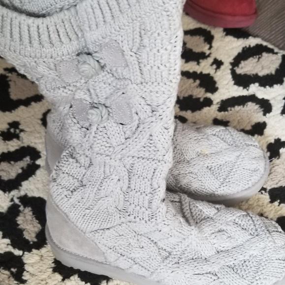 b08830c1625 Gray Ugg Kalla Fawn Sweater Boot Size 9